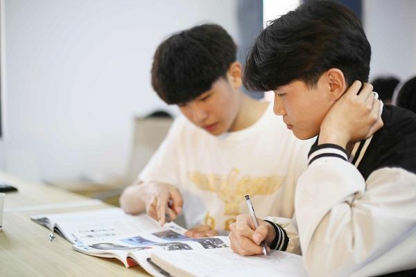 世界读书日 - 郑州北方汽车学校