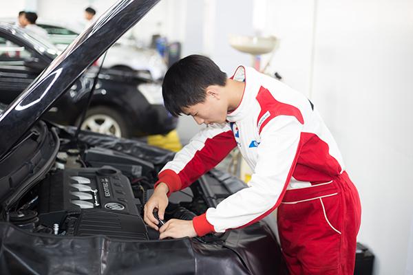 学修车哪家好,河南省哪家修车学校好,哪家修车学校好,郑州北方汽车学校